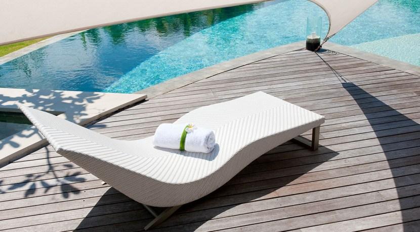 Villa Kailasha_0011_09-The Layar - 3 bedroom - Sun loungers and fresh towels