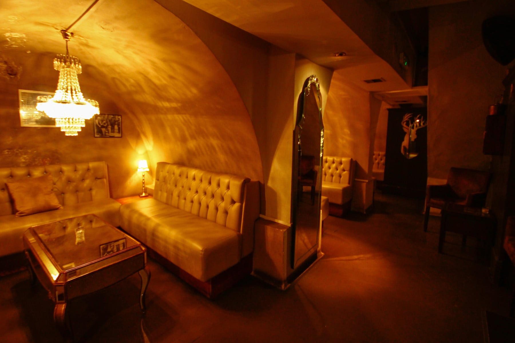 alcove and booth seating