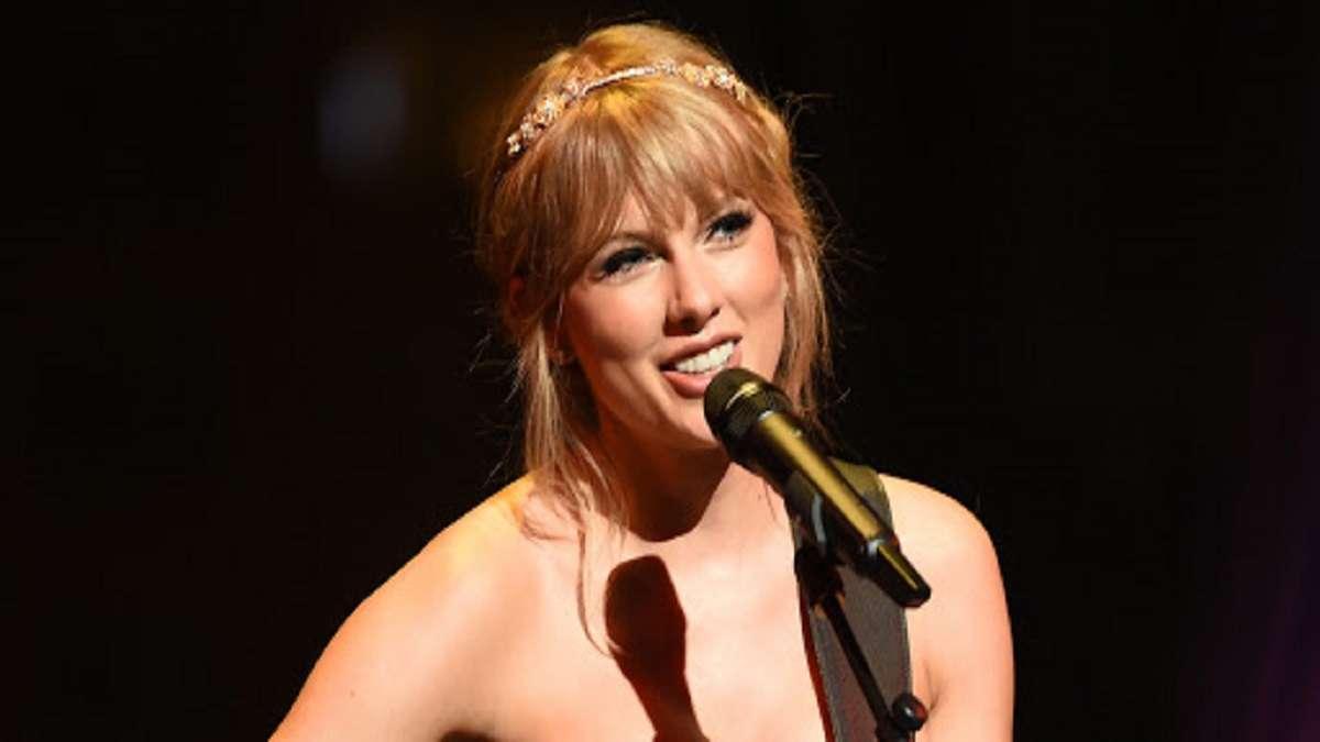 "Taylor Swift lanza nuevo álbum sorpresa ""Folklore"""