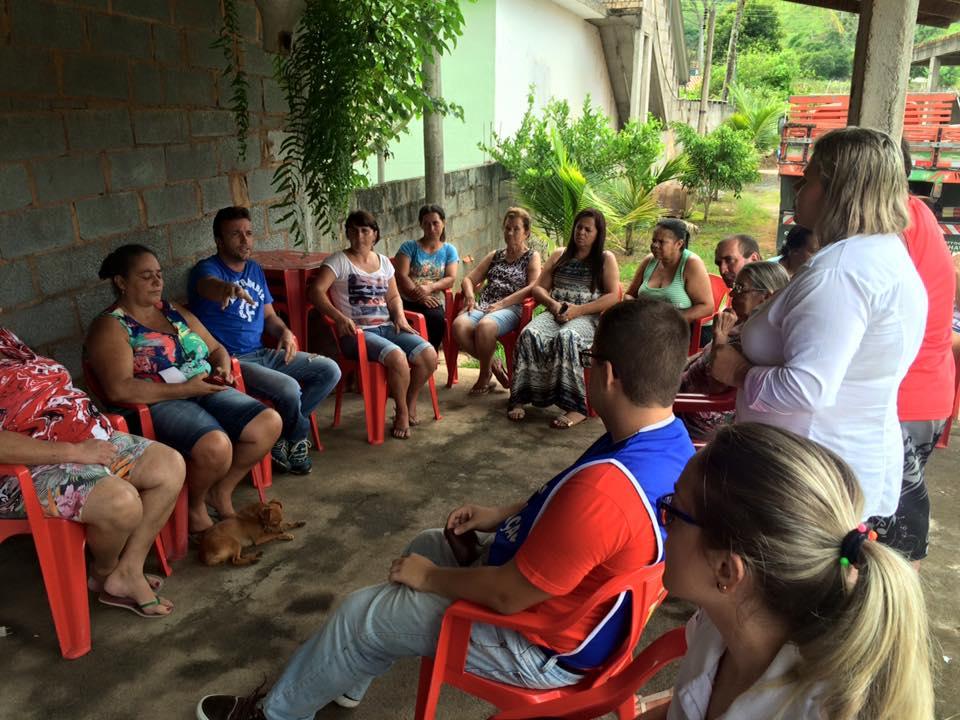 Saúde-faz-reunião-com-moradores-sobre-caramujos-2