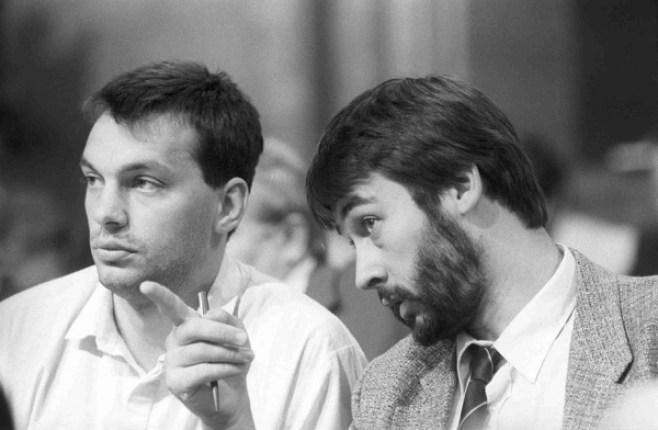 En la fase de la fundación del partido Fidesz, Orban junto con el ahora presidente de Hungría, János Áder, en 1988 o 1989