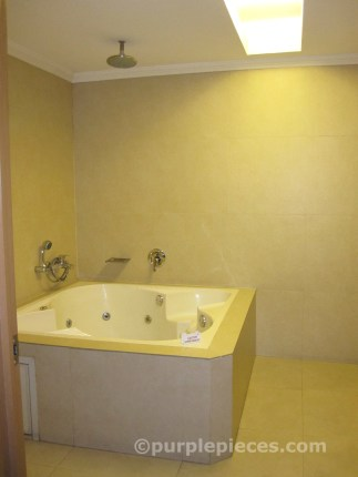 Sohotel Malate Manila Party Suite - Jacuzzi Bathtub