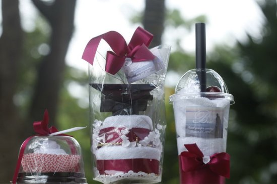 Thoughtful Creations - Towel Favors for Weddings