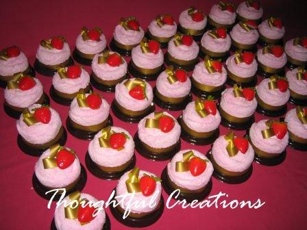 Thoughtful Creations - Towel Mini Cakes