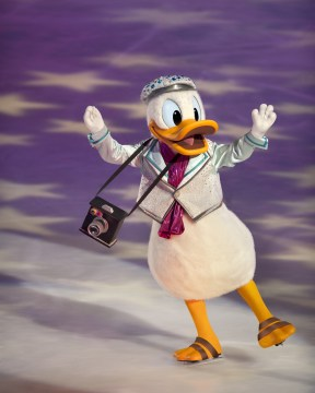 Disney on Ice Magical Ice Festival - Donald