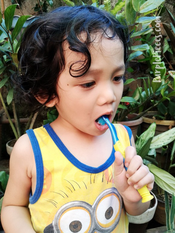 Colgate-Minions-Manual-toothbrush