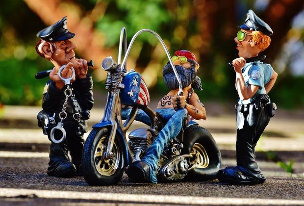 biker-1030273_1920