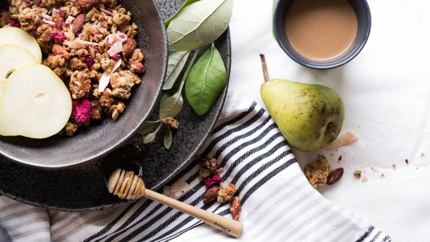 30 day sugar detox muesli bowl