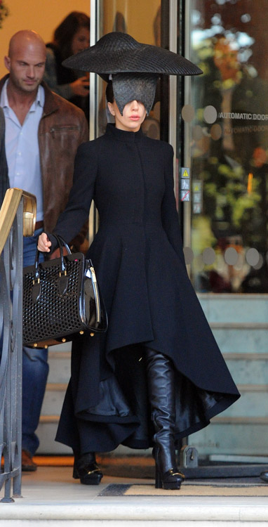 Lady Gaga S Alexander Mcqueen Bag Is The Least Insane