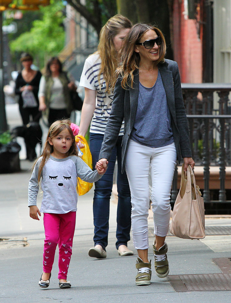 Sarah Jessica Parker Strolls NYC With A Bag From Her Own