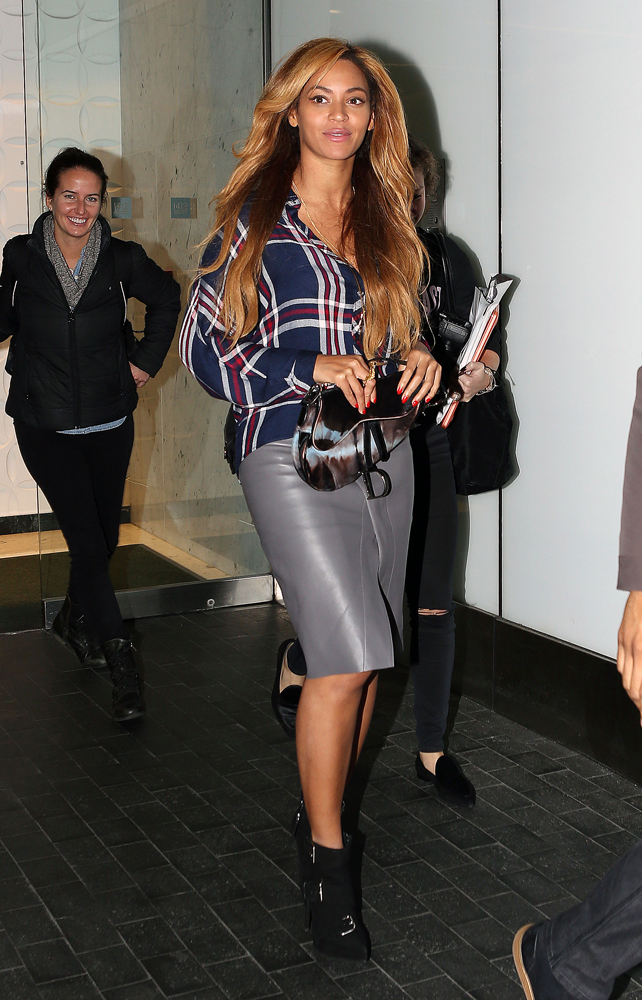 Beyonce Pulled a Dior Saddle Bag From the Back of Her Closet  PurseBlog