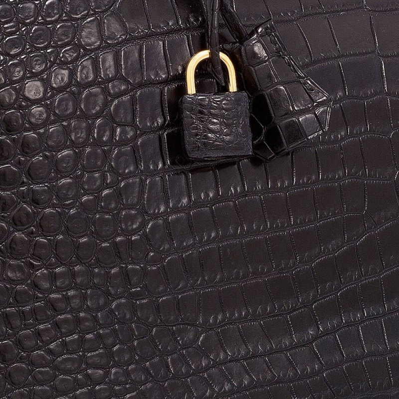Hermes-Matte-Porosus-Crocodile-Closeup-Swatch