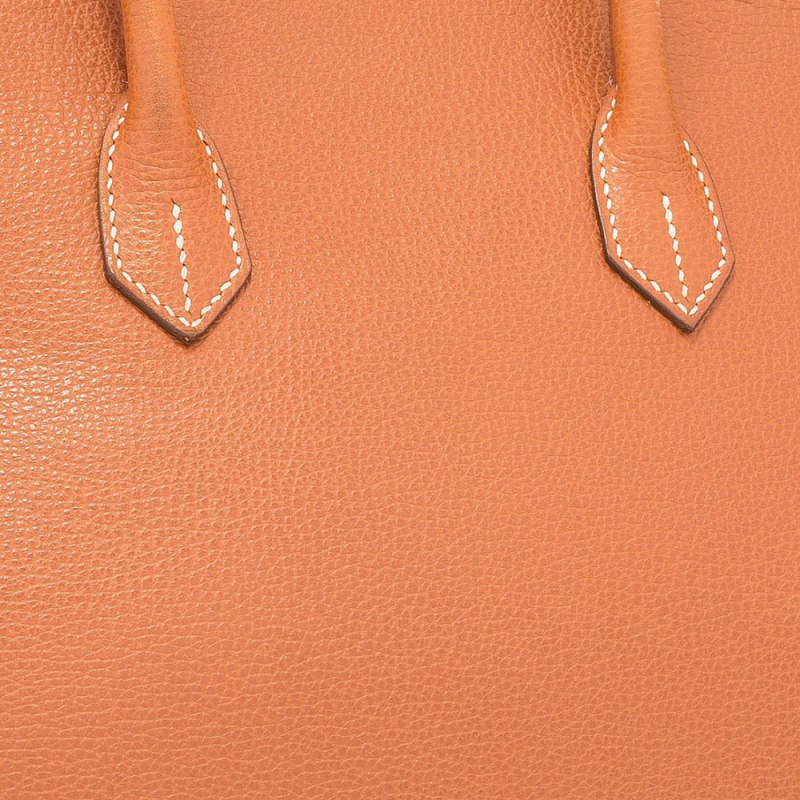 Hermes-Vache-Liegee-Leather-Swatch-Closeup