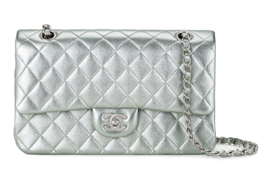 Chanel Classic Flap Bag Silver - De ultieme handleiding voor het kopen van Chanel Tassen Online