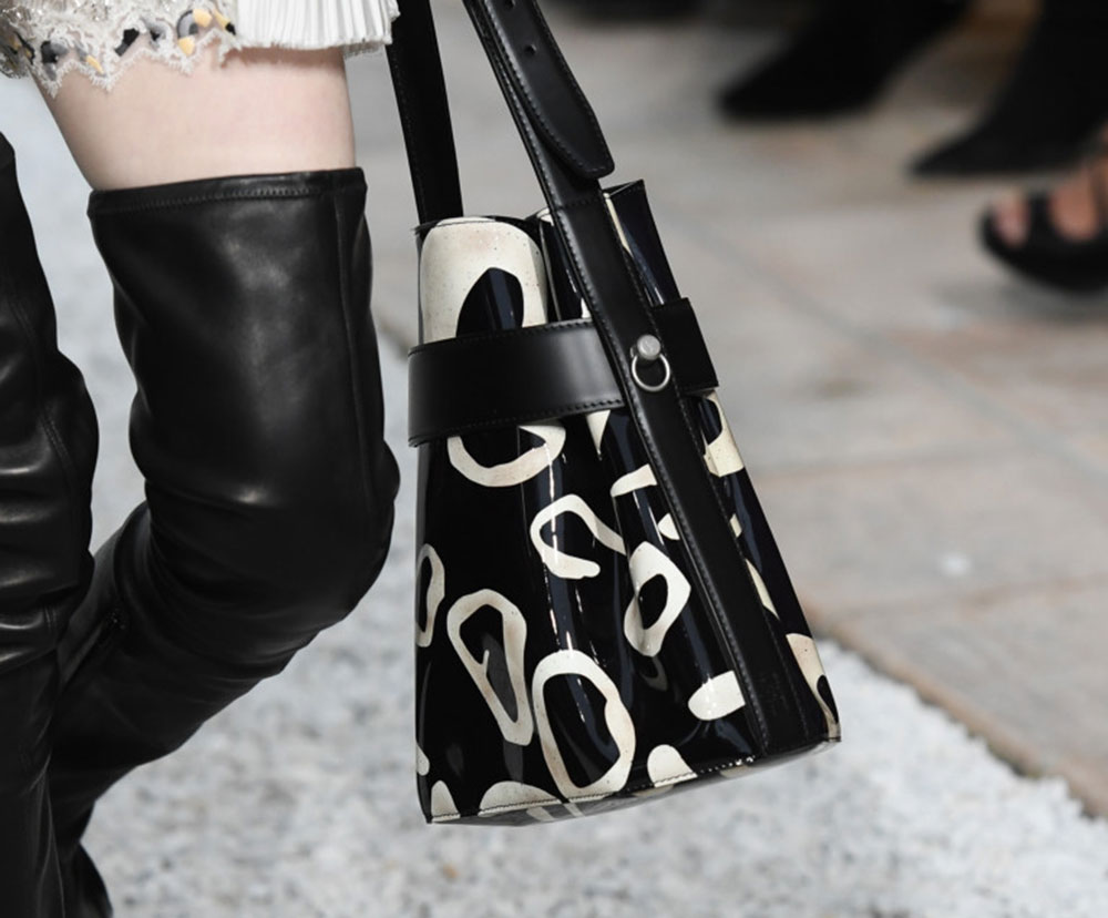 Louis Vuittons Cruise 2019 Runway Bags Include a Cute