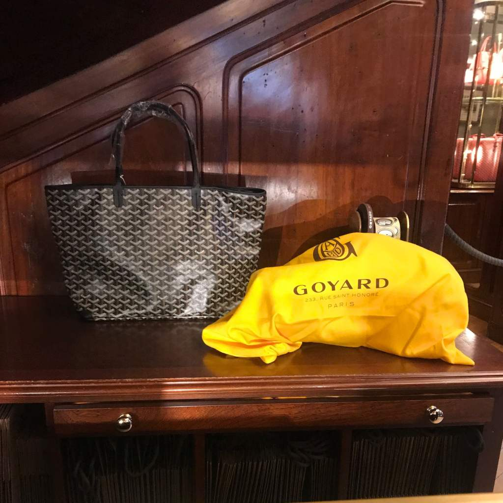 goyard artois tote mm black