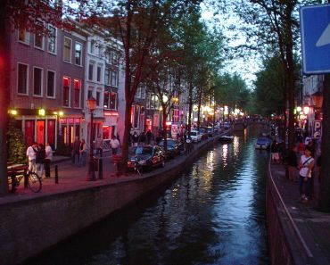 Kawasan Prostitusi di Belanda. Amsterdam red light district sore hari