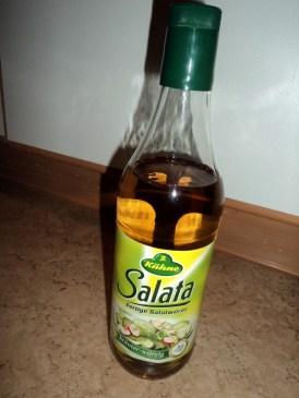 Cuka, saya gunakan yang khusus cairan asam untuk salat