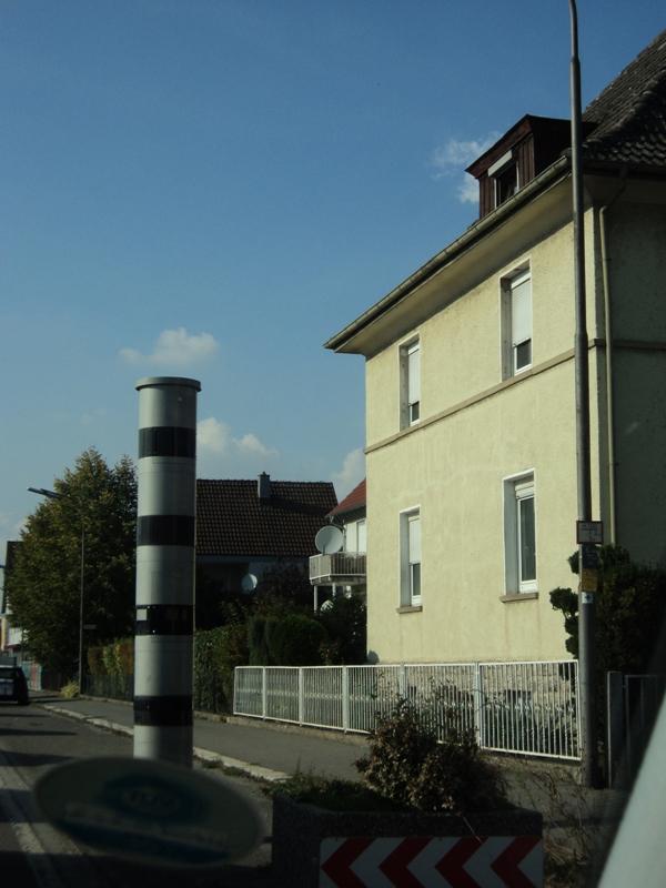 Kamera Pengintai di Jalan di Jerman. (Foto: dok. pribadi). Mobil Impianku