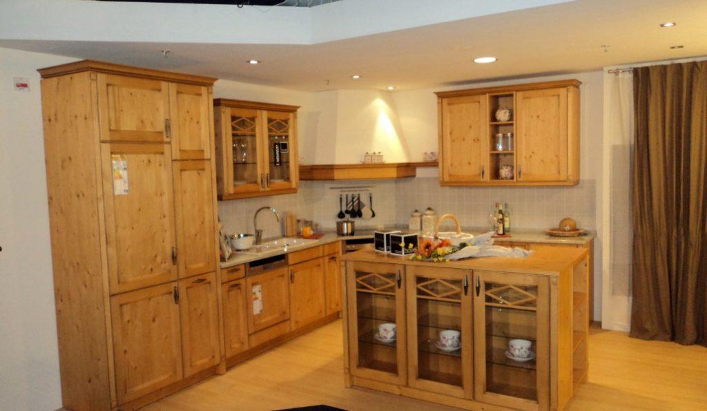 Model dapur Impian kami. Serba kayu, warnanya bagus. Bikin betah di dapur nih