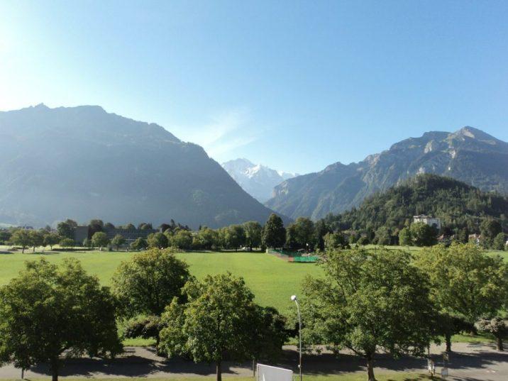 Apartemen di Interlaken, tampak Gunung Es