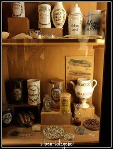 Ruang 5. koleksi bahan baku untuk obat-obatan abad 17-18