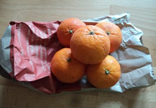 Jeruk Mandarinnya beli 6 buah saja