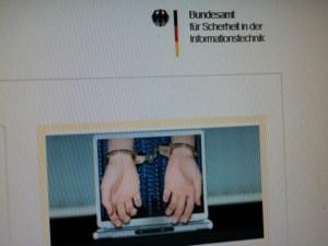 Hati-hati Jangan Melakukan Hal Ilegal Melalui Internet