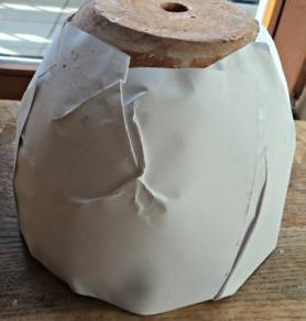 Untuk Pot Agak Bulat cukup Susah Menempelkan Kertas HVS nya