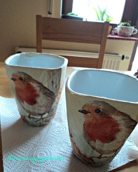 Hasil Karya Kedua. Pot dengan Motif Burung nan Cantik Temanya Menyambut Musim semi