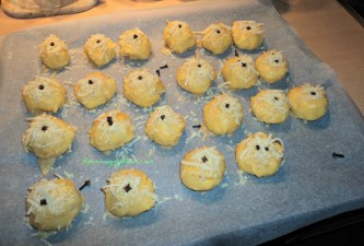 Praktek kedua Membuat Kue Nastar Keju. Nastarnya saya kasih Cengkeh