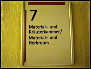 Mari Masuk Ruang 7 – Koleksi Peralatan dan Herbal