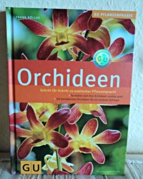 Buku Mengenai seluk beluk Bunga Anggrek