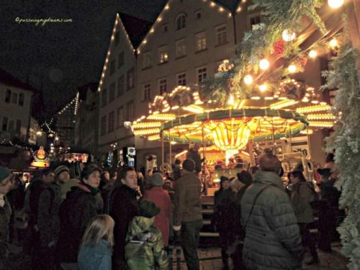 Komidi Putar paling digemari anak-anak pada Pasar Natal