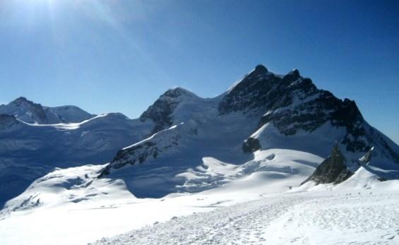 Jungfraujoch Swiss. Snow in Switzerland. Foto dari wikipedia. Jungfraujoch Swiss Top of Europe