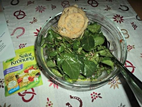 Santap Rocket herb salad bersama Aci goreng
