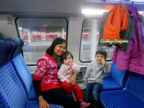 Naik kereta intercity di Jerman. Dobel decker train. Kereta api bertingkat