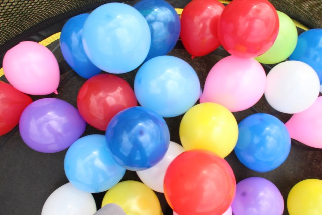 Trampoline surprise balloons