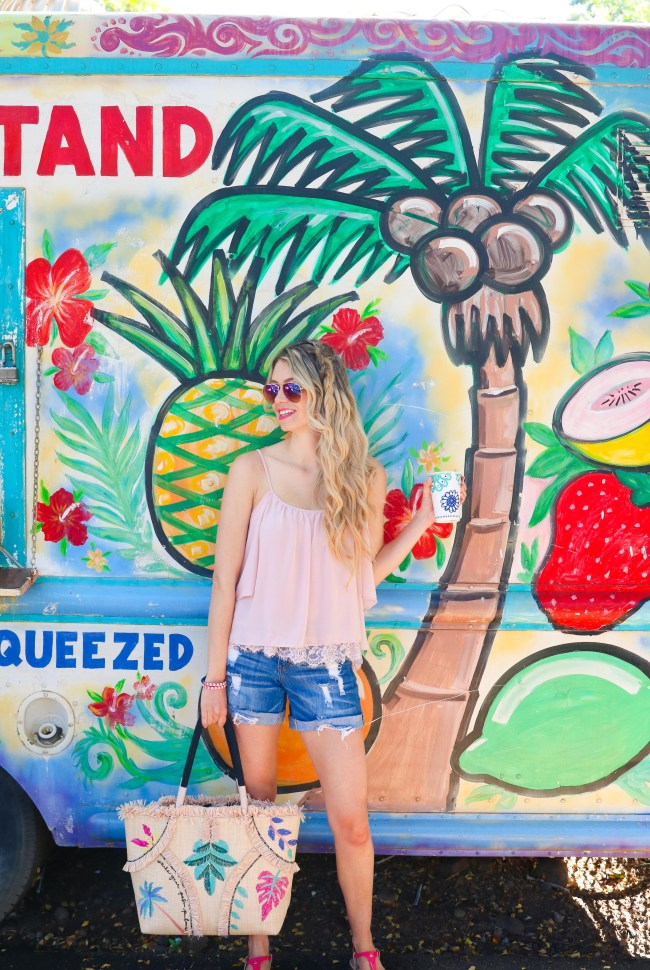 Instagrammable Maui - Fruit juice stand