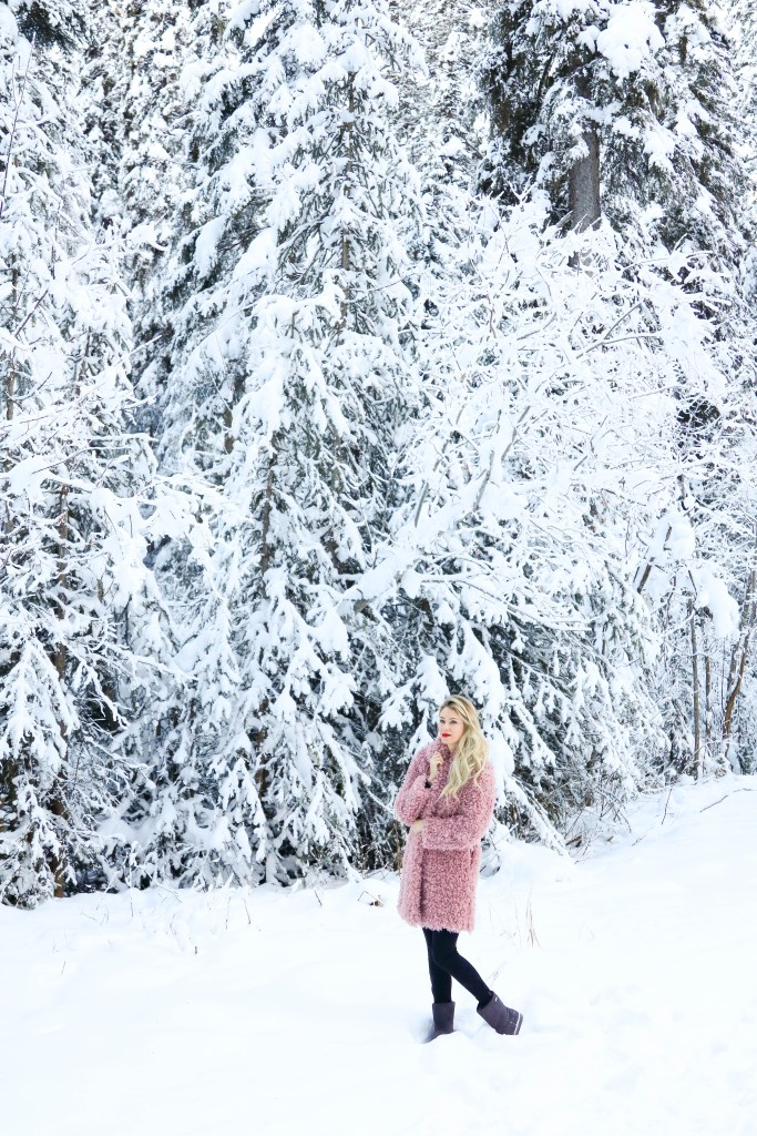 What to do in Radium Hot Springs in the winter - Romantic Getaway in Radium Hot Springs - travel to British Columbia