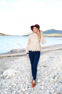Fall Fashion - crochet bell top, high-waited jeans - wool floppy hat - #fashion #style #canada #ootd #outfitinspiration #fall #fallfashion