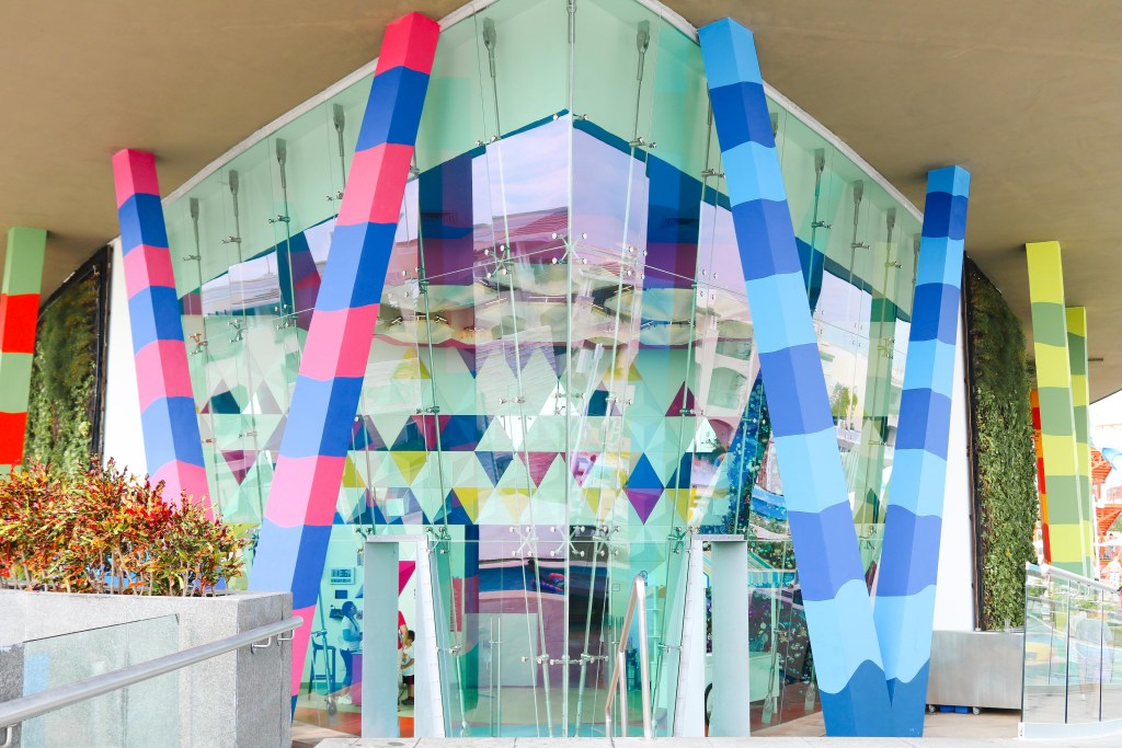The Grand at Moon Palace playroom: bumper cars, mini-golf, arcade, play place, parkour