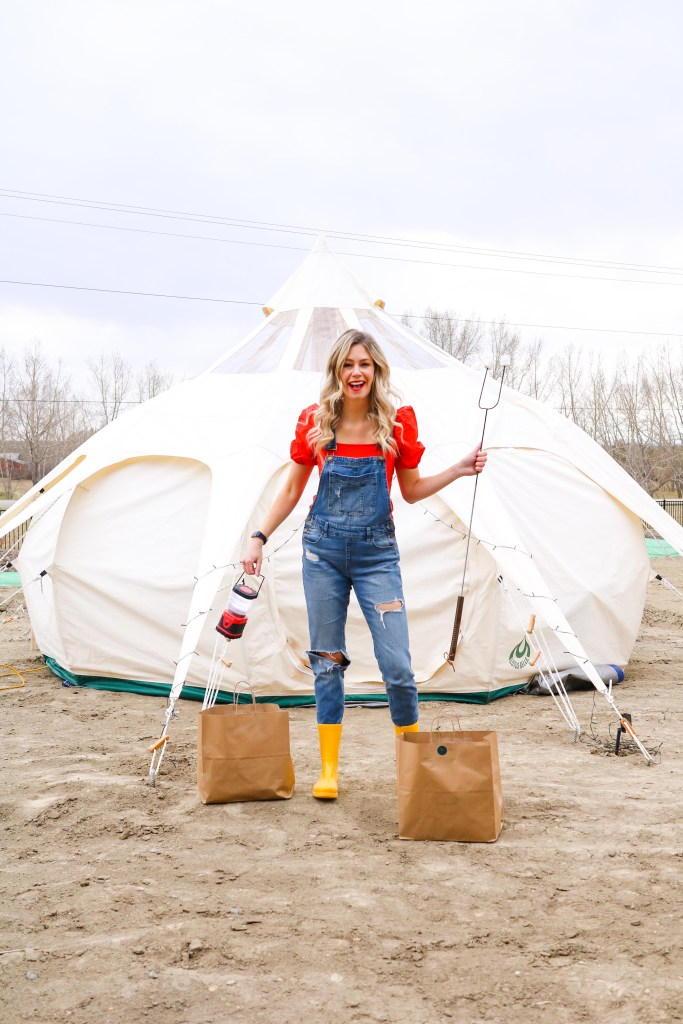 Glamping In Alberta - how to set up your own backyard camping in Calgary! #glamping #alberta # travel
