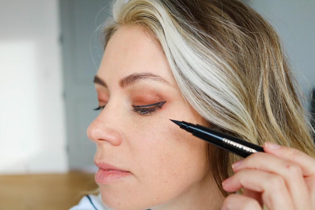 Lyda Beauty Cleopatra cat eye stamp eyeliner
