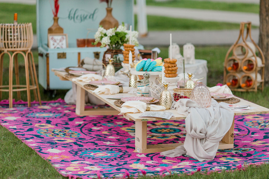 Boho luxury picnic photos from Calgary, Alberta. Spring photoshoot ideas.