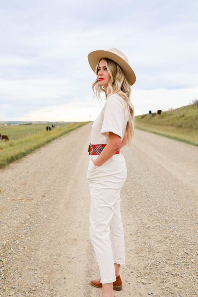 Bohemian Cowgirl outfit ideas - boho western looks for the Yellowstone copycat