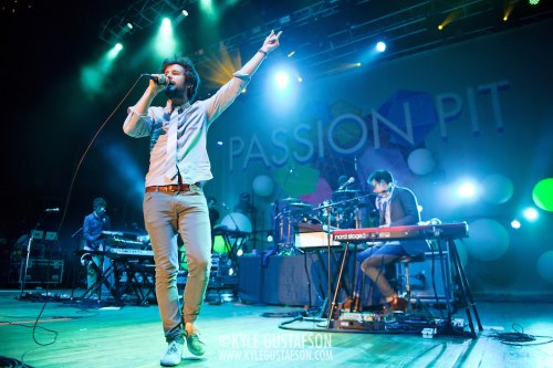 Passion Pit Perform at the 2013 Sweetlife Festival