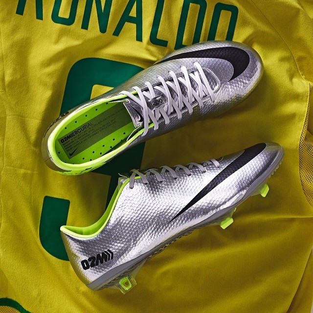 save up to 80% undefeated x on sale Mercurial Vapor IX Fast Forward '02 Edition, Ronaldo Tribute ...