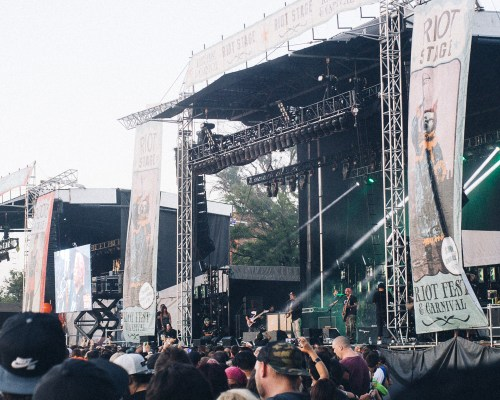 Deftones on The Riot Stage