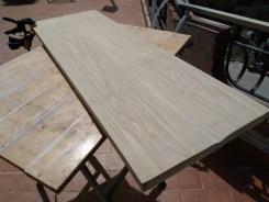 insegna di legno incisa a rilievo